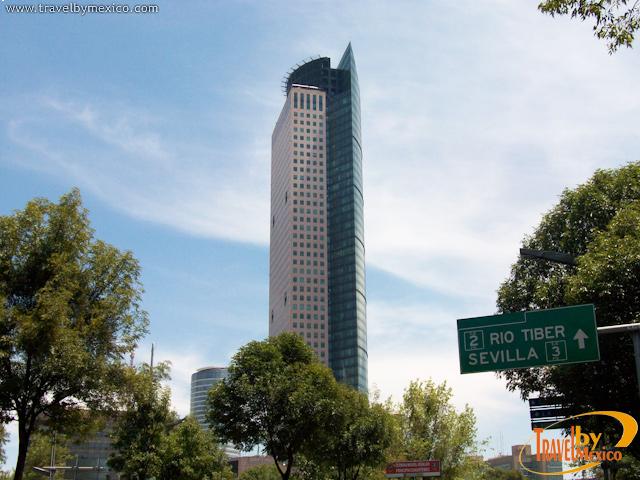 Torre Mayor vista desde prologanción Reforma