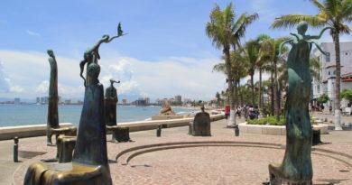 Malecon Puerto Vallarta 1