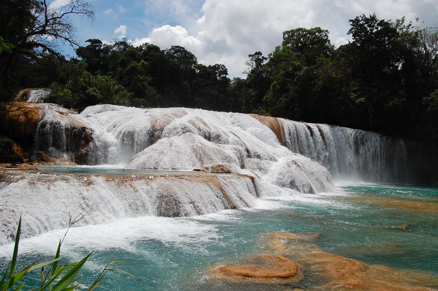 Cascadas de agua azul en chiapas mexico real for Motor para cascada de agua