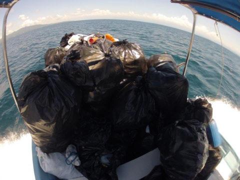 Limpieza en las Islas Marietas