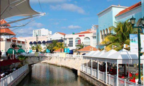 Comer en Cancún.