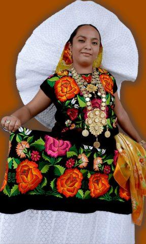 Trajes Regionales del Istmo de Oaxaca: Tehuana